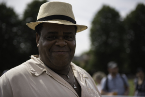 bckup_clive-rowe-at-walthamstow-garden-party-dsc_5132-low-res-300x200